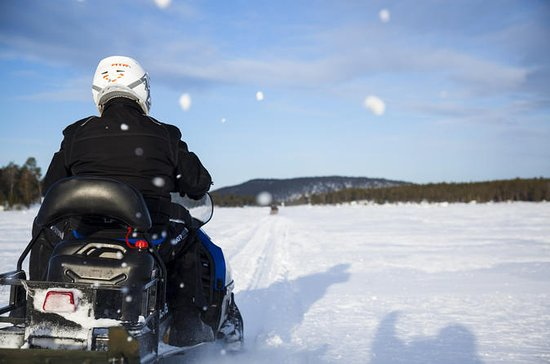 4 hours Snowmobile Safari in Ivalo...
