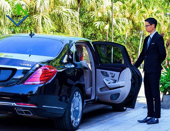 Da Nang, Vietnam: VN Da Thanh Luxury Cars focus on our prestige therefore our customers always enjoy the latest luxury car with advanced equipment on the car: §  Professional English speaking Chauffeurs §  Free Wi-Fi, iPad, Tissue, Candy, Mineral Water, Magazine, Power bank, Chargers for phone