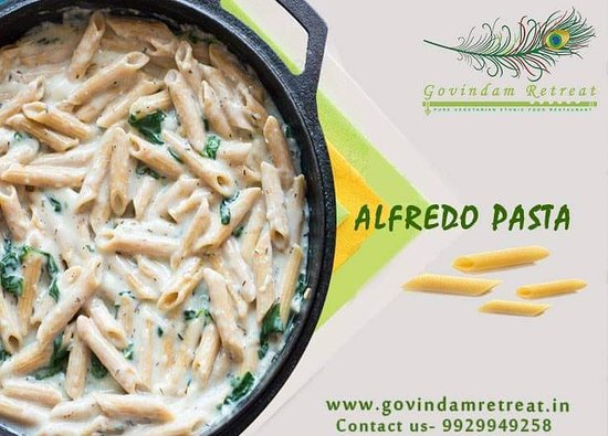 Alfredo Pasta - Corkscrew spin pasta made by heavy whipping cream, and cream cheese tossed with italian herbs & seasoning.