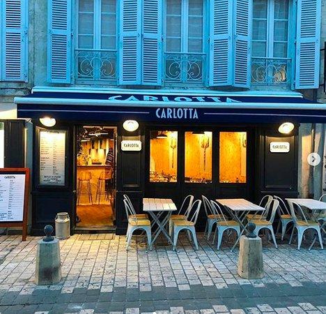 CARLOTTA - LE CLAN DES MAMMA, La Rochelle - Commander en ligne ...