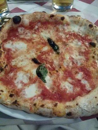 I Capatosta: PIZZA MARGHERITA
