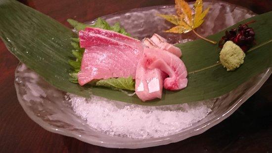 Kappo Yama: お刺身を何と岩塩で頂きます!