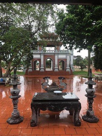 Móng Cái, Việt Nam: Đền Xã Tắc, Ka Long