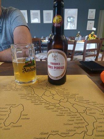 Birra e cartina dei vini