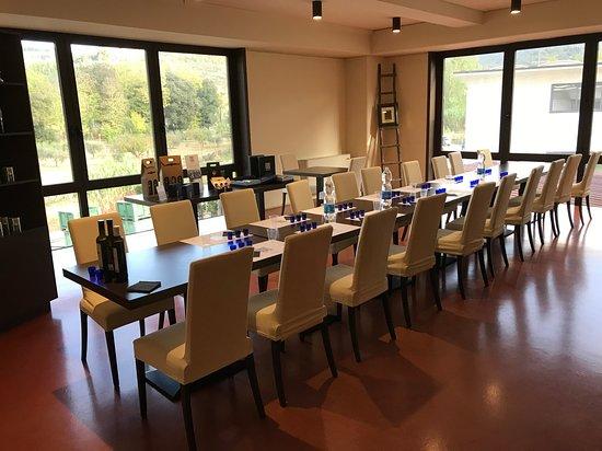 San Polo in Chianti, Italy: Tasting table!