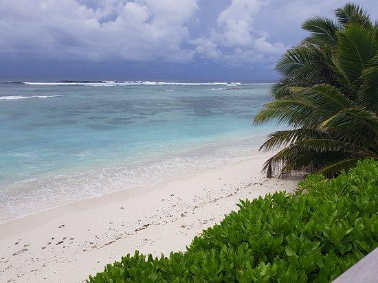 Shangri-La's Villingili Resort and Spa Maldives: Storm brewing