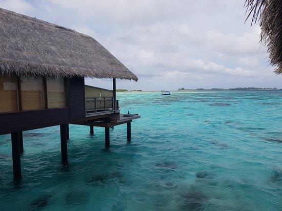 Shangri-La's Villingili Resort and Spa Maldives: Overwater Villa