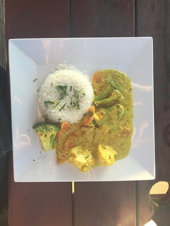 The Cracked Conch by the Sea: Veggie curry