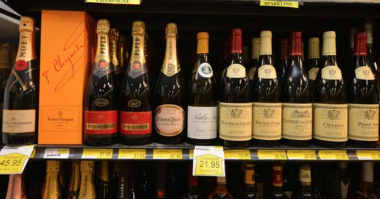 Piggly Wiggly Apalachicola offers a huge selection of wine and craft beer. Cheers!