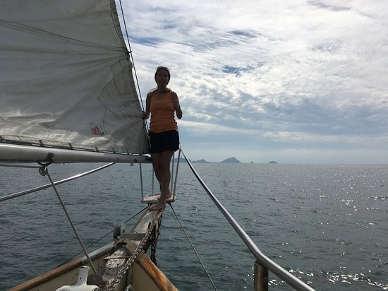 """Mi Casa Viajes - Private Day Trips: hanging out on the """"plank"""""""
