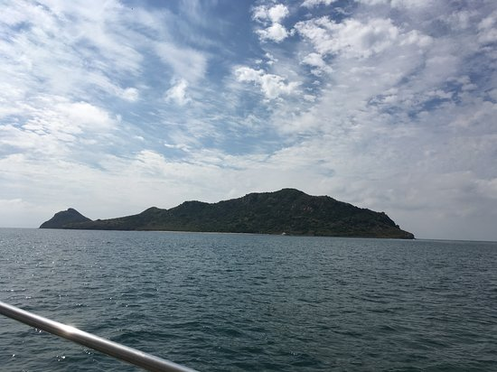 Mi Casa Viajes - Private Day Trips: one of the islands