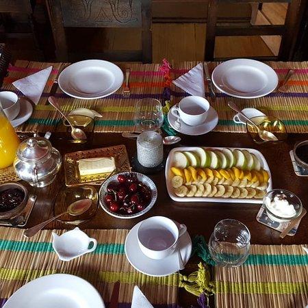 Hinojo, Argentina: Para empezar el día un rico desayuno en el comedor