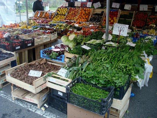 Mercato Settimanale Dei Guarneri