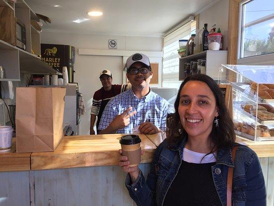 Пуэрто-Наталес, Чили: Nuevo cafe Patachic58 en Puerto Natales, con excelente atención, sandwich y otros, ademas cositas dulces, las medialunas deliciosas! Destaco que abre temprano (algo raro en natales) y que tiene opciones vegetarianas y veganas. Nos se lo pierdan!