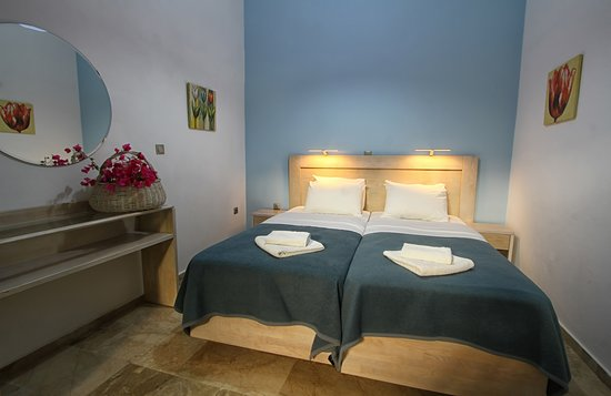 Paralia Agias Foteinis, Greece: Comfort room with garden view