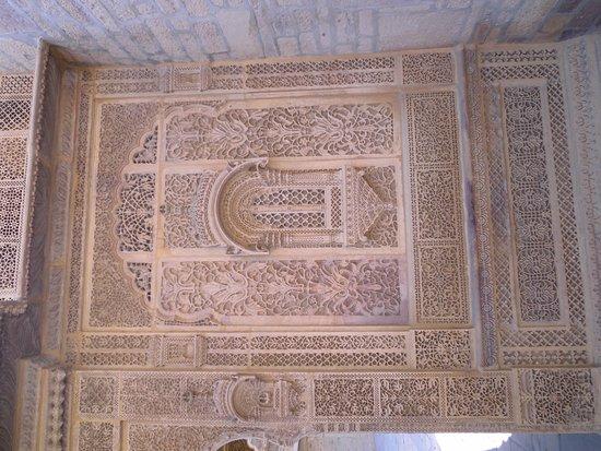 Mandir Palace & Hotel