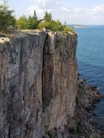 300 foot cliff at Palisade Head in Tettegouchie State Park