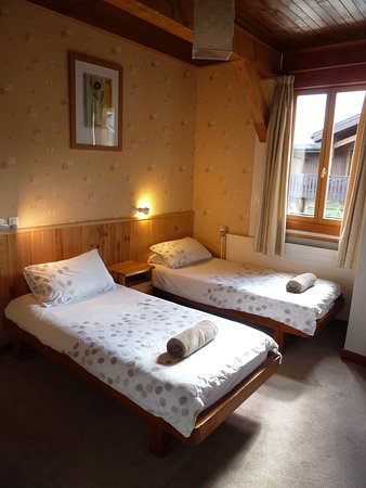 Chalet Le Sherpa: Twin Room with En-suite