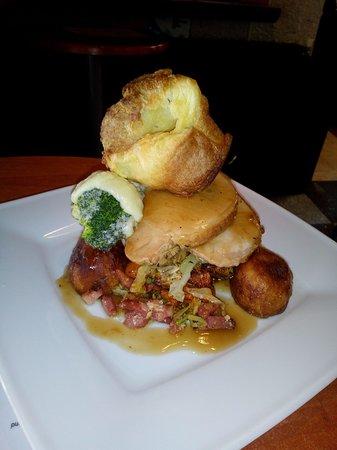 Chalet Le Sherpa: Sunday Roast Dinner - Bar Meals available