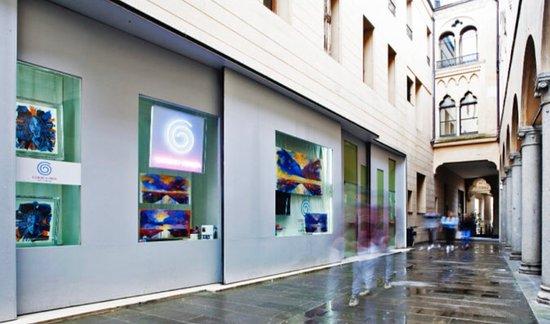 Galleria Giorgio Chinea Art Cabinet