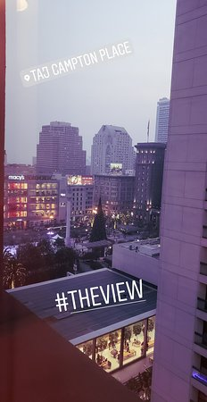 Taj Campton Place: View of Union Square from room