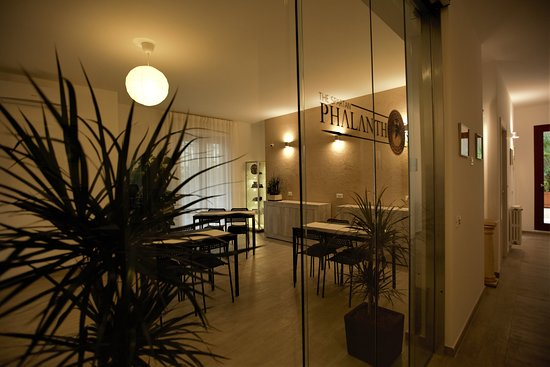 Phalanthos Taranto - Sala colazioni, corridoio