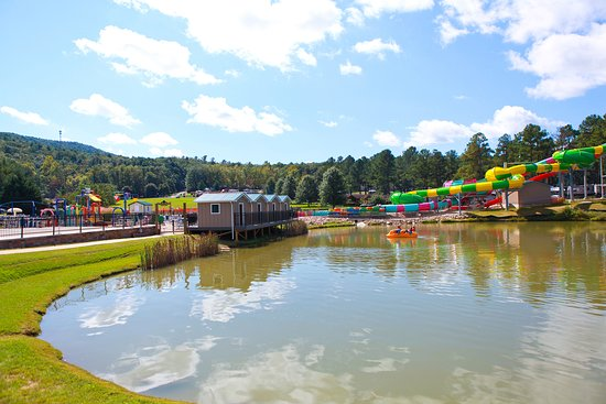 Yogi Bear's Jellystone Park Camp-Resort Luray: Water Slides