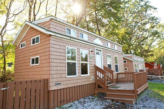 Yogi Bear's Jellystone Park Camp-Resort Luray: Cottage