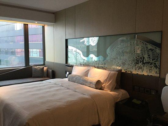 Hyatt Centric Victoria Harbour Hong Kong: ベッドルーム