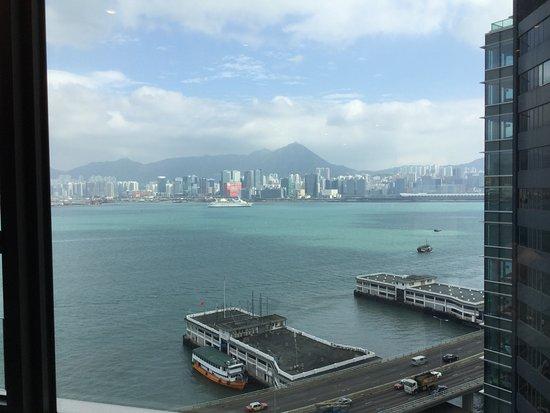 Hyatt Centric Victoria Harbour Hong Kong: 部屋からの眺め