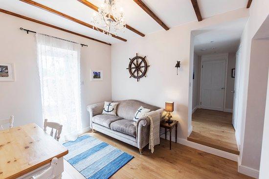 Lounge - Neptune Apartment