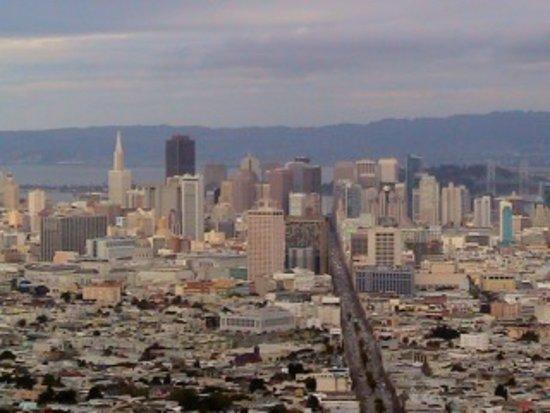 French Escapade - Private Tours: Vue de haut de San Francisco pendant les visites en français de San Francisco avec French Escapade.