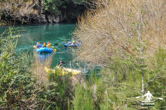 OutdoorPatagonia Asombrosos paisajes de verdes intensos y aguas turquesas que tiene la Patagonia Chilena para ofrecernos.