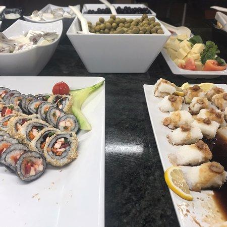 Aquí podéis comprobar la variedad de comida que ofrece el hotel, como la comida oriental q estaba muy rica.