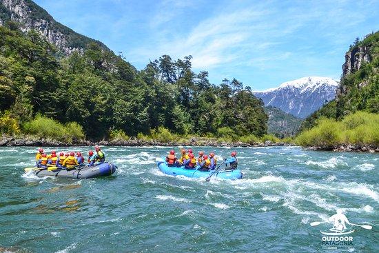 Outdoor Patagonia: OutdoorPatagonia Vistas panorámicas que te dejan sin aliento en todas nuestras excursiones de rafting en la zona de Futaleufú.
