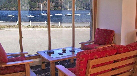 En nuestro S.U.M. también podés relajarte con la vista del lago.