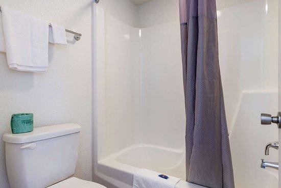 Connellys Springs, NC: bathroom