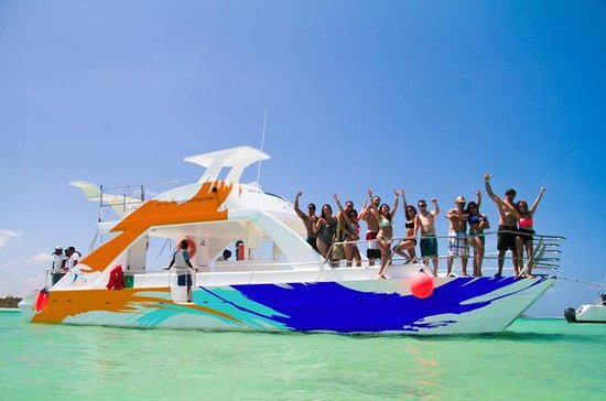 Private Catamaran: Reef Snorkel and...