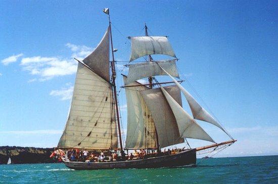 Baía das Ilhas Tall Ship Sundowner...