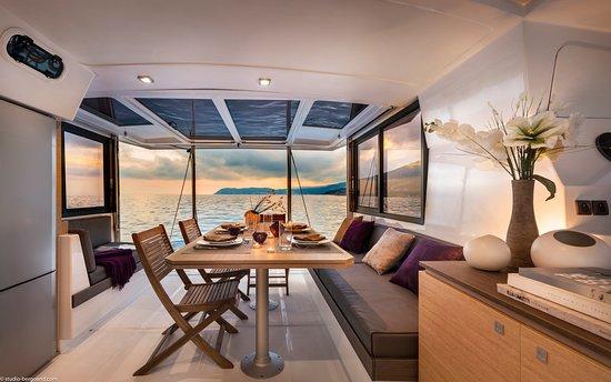 Setouchi Yacht Charter: Salon image