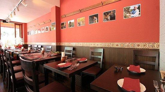 Akabane Spain Club TERATERA: 本格スペイン料理が楽しめます♪ シェフは某番組の銀座の巨匠としてのTV出演経験があります。 平日はゆったりお食事できます♪ 都内でもまだ少ないスペインの樽生ビールも楽しめます♪ スペインワインも多数そろえてお待ちしております