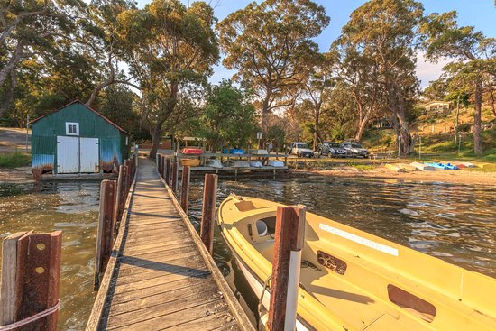 Nungurner, Australia: Take a stroll along the historic wooden jetty. Guests have full access to the jetty during their stay and boat moorings are complimentary if required.