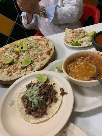 Taqueria El Pique: Great flavors!