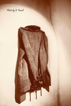 BunkArt 2: Una giacca di un ex detenuto, mannetata!