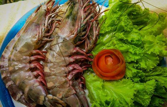 CC Beach Bar and Restaurant: king prawns