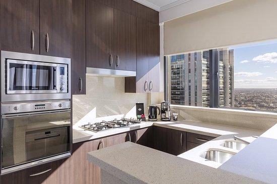 Meriton Serviced Apartments Campbell Street Sydney - Video ...