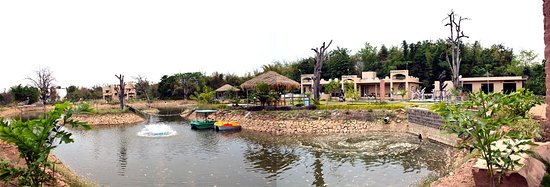 Pench National Park, Индия: Private Lake inside Tathastu Resort where you can relax