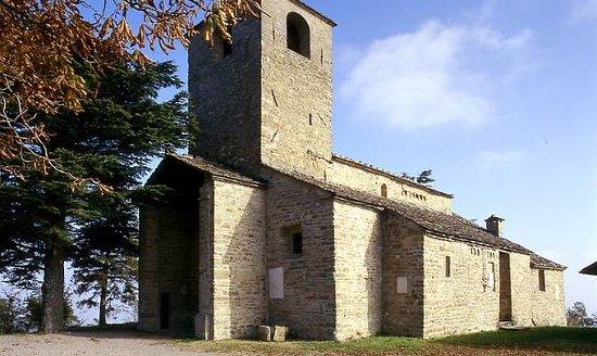 Pieve di San Pietro a Tizzano Val Parma