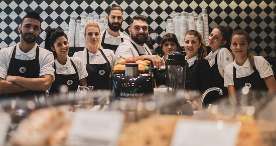 Александруполис, Греция: Η Αλεξανδρούπολη απέκτησε τους δικούς της coffee specialists που μετατρέπουν τον καθημερινό σας καφέ σε μία απολαυστική εμπειρία