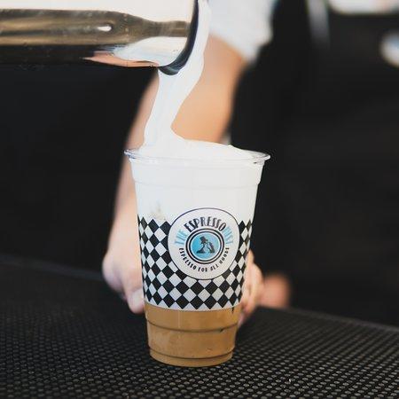 Александруполис, Греция: Από τις top προτάσεις μας για τους λάτρεις του καφέ είναι ο freddo cappuccino από εξαιρετικής ποιότητας χαρμάνι και με το ασύγκριτα βελούδινο αφρόγαλα.